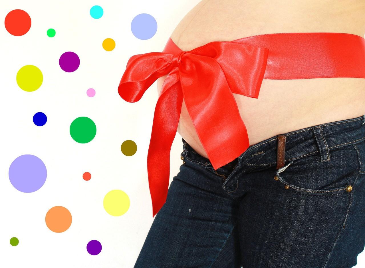 Modna mama w ciąży – jak wybierać odpowiednią odzież ciążową?